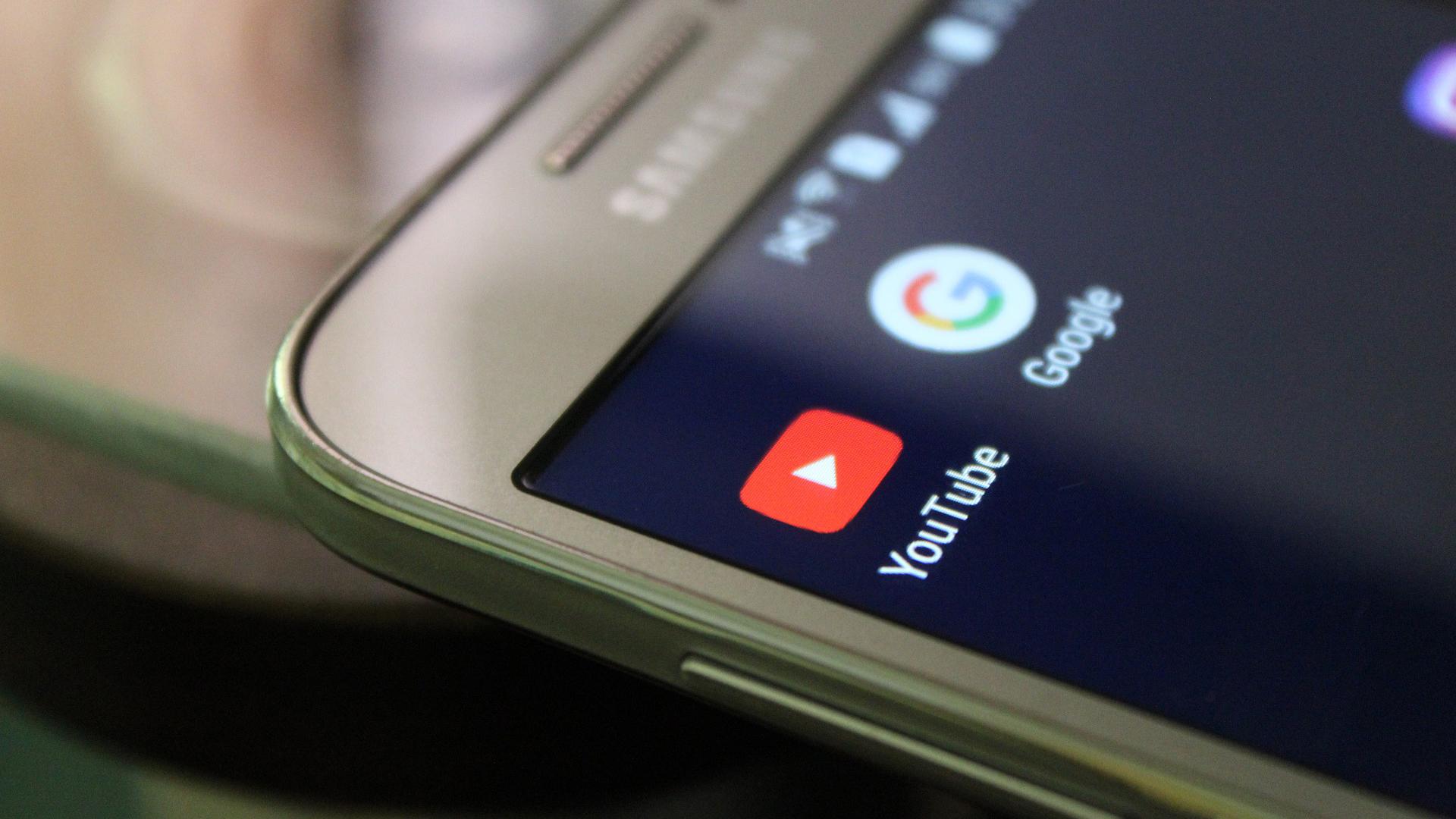 يوتيوب يعلن عن أزالة 100 ألف مقطع فيديو 17 ألف قناة وقد يدفع 200 مليون دولار لتسوية الموقف
