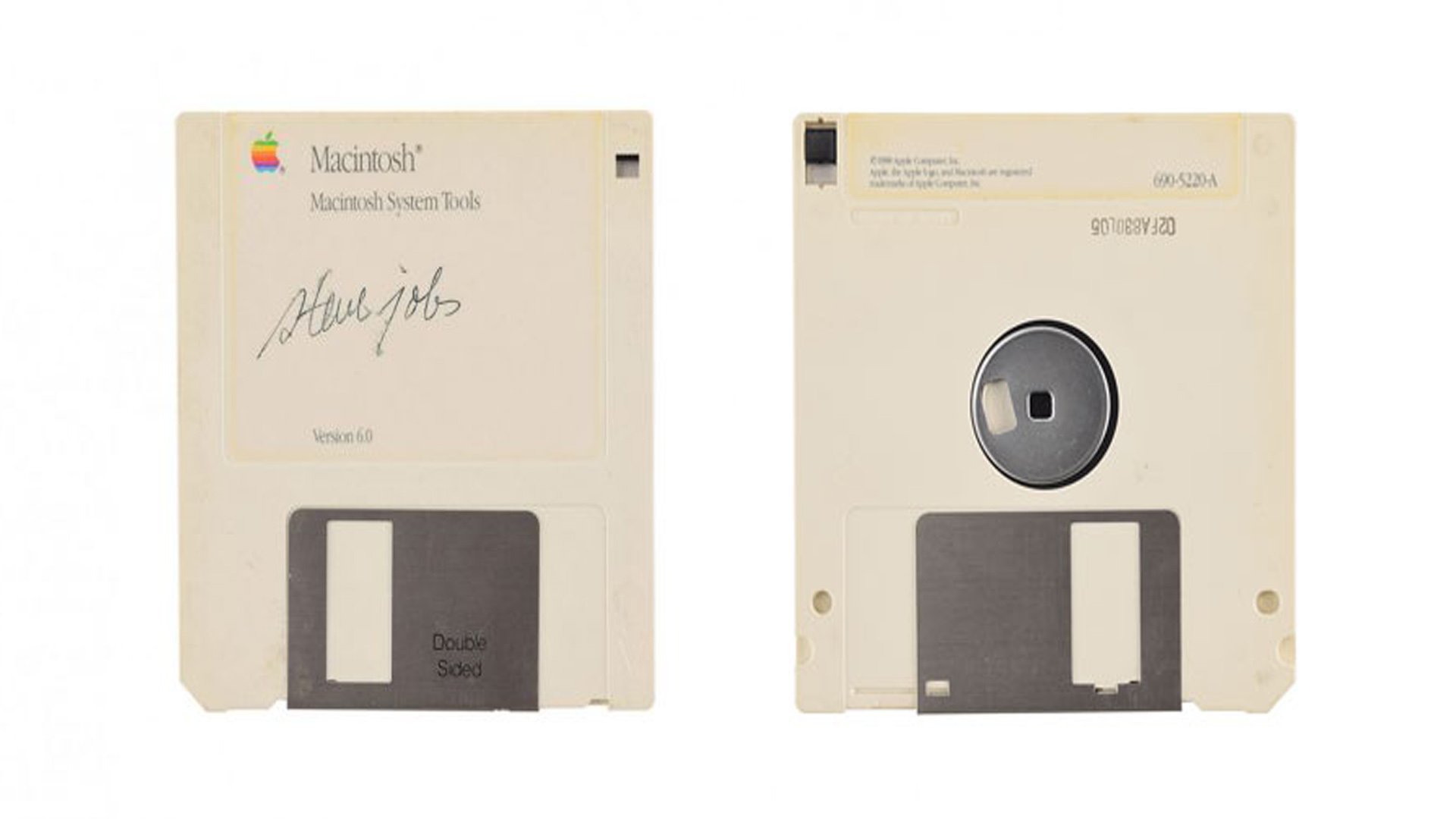 هل تعلم أن قرص مرن وقع Steve Jobs مؤسس شركة آبل معروض في مزاد بقيمة 7500 دولار !!!
